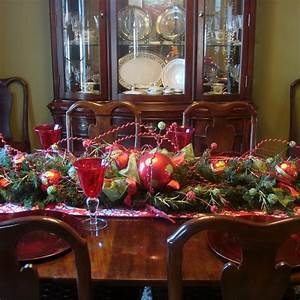 50 stunning christmas table settings style estate With christmas dining room table centerpieces
