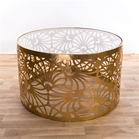 Its elephant figurine base looks very natural and attractive, so it is a nice living room decoration. Metal Gold Round Coffee Table- Gold Leaf Parisienne Metal ...