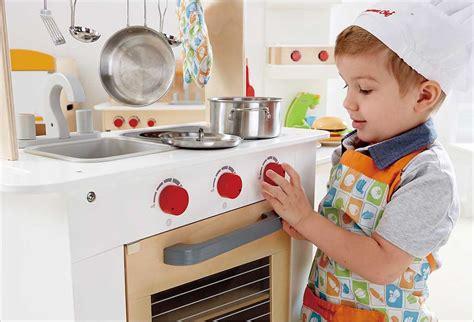 jeu imitation cuisine hape cuisine du chef en bois cavernedesjouets com