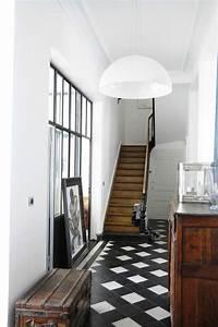 Entr U00e9e Avec Un Carrelage Graphique En Noir Et Blanc