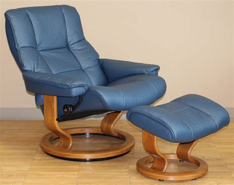 blue oversized chair and ottoman stressless kensington large mayfair paloma oxford blue