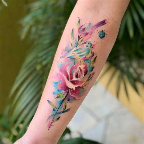 O Significado da Tatuagem de Rosa em 2020 Tatuagem rosa