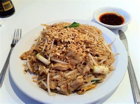 cuisine mae chicken pad yelp