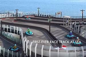 Piste De Karting : video une piste de karting sur un paquebot de luxe l 39 argus ~ Medecine-chirurgie-esthetiques.com Avis de Voitures