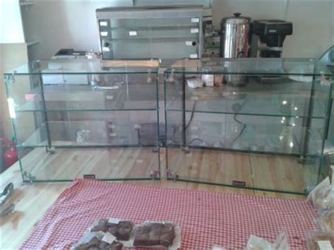 LINCAT GLASS DISPLAY CABINET x2 with 2 movable shelves