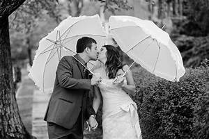 Grand wedding ceremony with classy wedding umbrella for Umbrella wedding photos