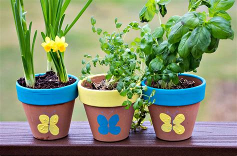 picture of a flower pot thumbprint flower pot upstate ramblings