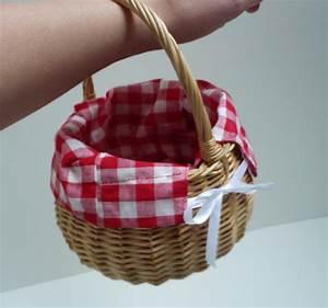 Petit Panier En Osier : le panier du petit chaperon rouge avec deux z ~ Dallasstarsshop.com Idées de Décoration