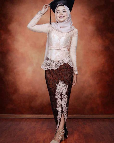 model kebaya wisuda modern  simpel elegan