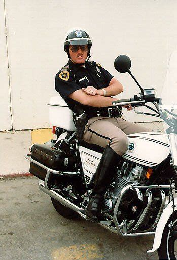 motorcycle police images  pinterest police