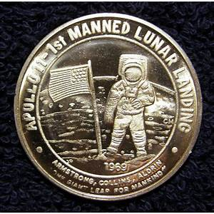 Apollo 11 1st Manned Lunar Landing Commemorative Coin
