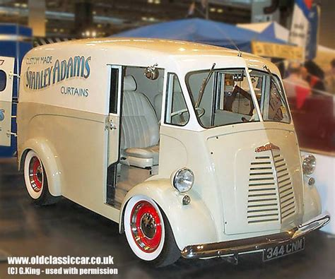 Morris J-type Custom Van In Cream Photograph (56 Of 114