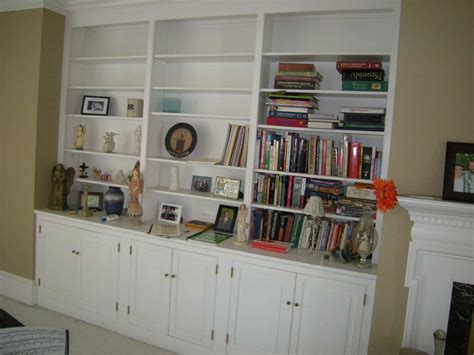 Decorating With Bookcases by How To Decorate Bookshelves