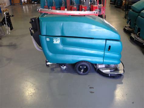 Tennant Floor Scrubber 5680 by Refurbished Tennant 5680 5 500 Kwik Fix Depot Ltd