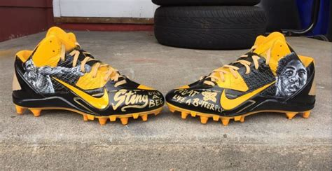 Antonio Brown told to take off Ali cleats after being ...