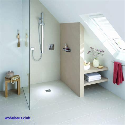 Badgestaltung Kleines Bad Mit Dusche by Dusche Unter Der Dachschr 228 Ge Wedi In 2018