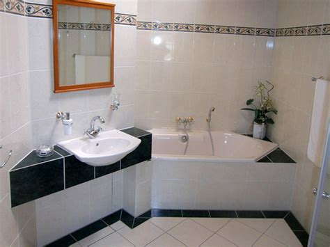 Badezimmer Schwarz Und Weiß Gefliest Mit Bordüre