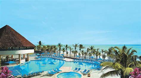 hotel avec piscine et dans la chambre hotel viva wyndham mexique