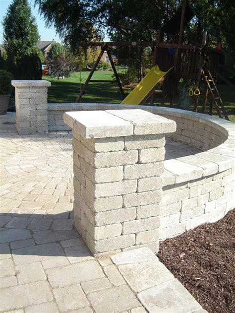 brussels sandstone tumbled pavers and pillars brick