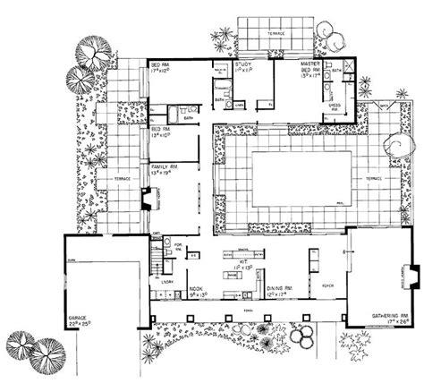 courtyard plan house plans   compound pinterest