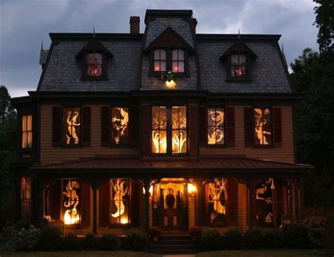 The 5 Spookiest Halloween House Exteriors — Eatwell101