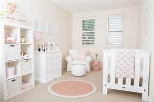 Deko Für Weiße Möbel : 25 ideen f r babyzimmer deko und kreative wandgestaltung ~ Indierocktalk.com Haus und Dekorationen