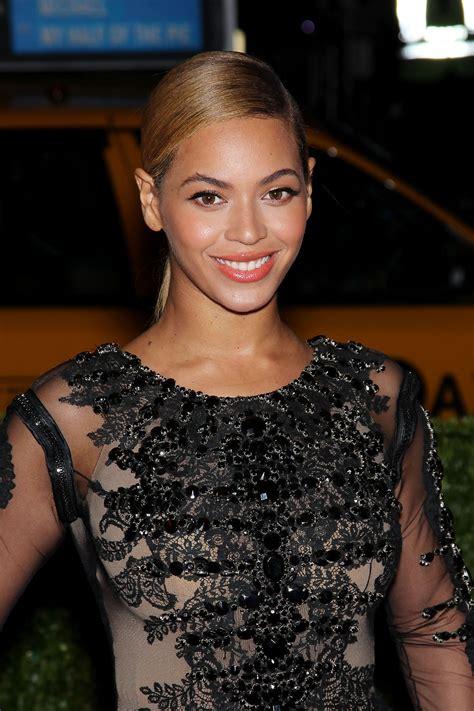 BEYONCE at Metropolitan Museum of Art's Costume Gala 2012 ...