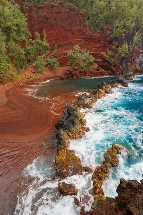 sand beach beaches hawaii maui colorful most hana travel island trail visitar hidden pink area townandcountrymag fun hike kaihalulu hips