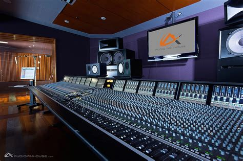 Studio Monitor Placement: 5 Things You NEED To Know — Omari MC