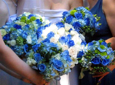 flowers land blue wedding flowers