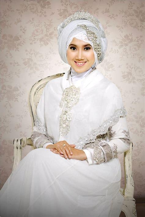 gambar desain baju pengantin muslimah  anggun