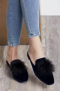 Pom Pom Schuhe : velvet slide with feather pom pom sole society cleona shoes in all variations schuhe und ~ Frokenaadalensverden.com Haus und Dekorationen