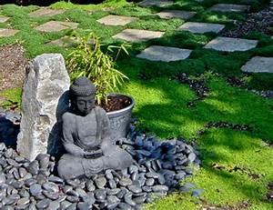 Le mini jardin japonais serenite et style exotique for Decoration jardin avec galets 10 jardin zen interieur avec statue bouddha porte encens