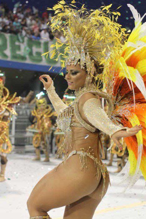Viviane Araújo - Salgueiro   VEJA.com   Samba costume ...