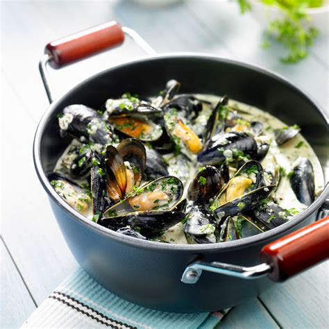 cuisine traditionnelle bretonne moules au vin blanc facile et pas cher recette sur