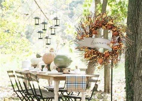 Decorating Ideas For Fall Outside by Fall Decorating Ideas For An Outdoor Dinner