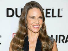 Hilary Swank Puts Career on Hold to Care for Dad - ABC News