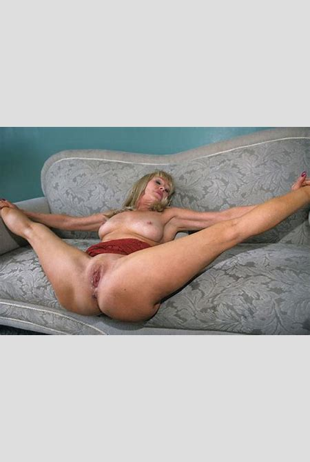 Sexy mature lady fucked in the house - Pichunter