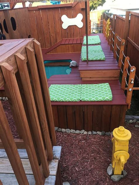 man spends  years turning  backyard   awesome