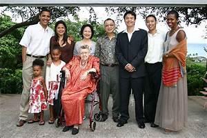President Barack Obama and Michelle at his sister Maya's ...