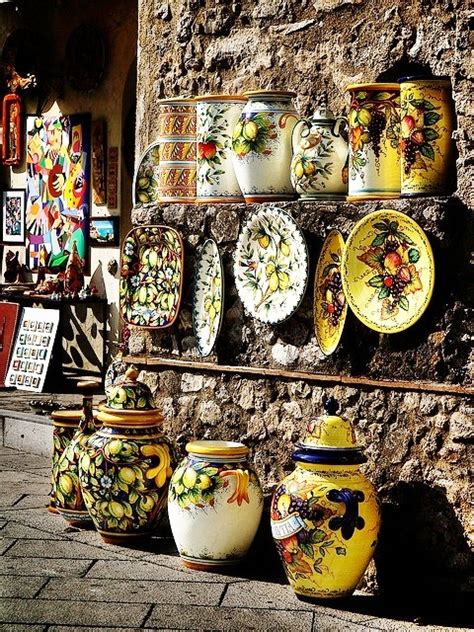 hometown abroad ceramic shop positano italy 351 b 228 sta bilderna om ceramics glass and pottery of italy p 229 pinterest keramik burkar och