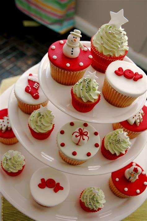 christmas cupcakes christmas cupcakes photo 460391 fanpop