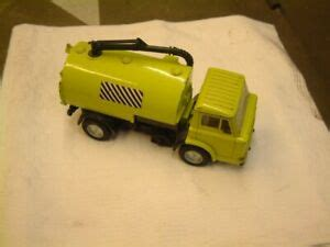 Dinky Toys 451 road sweeper, Ford D Series.....Good ...