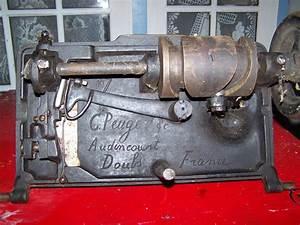 Ancienne Machine A Coudre : machine coudre peugeot co ~ Melissatoandfro.com Idées de Décoration
