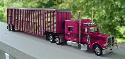 peterbilt   barrett livestock trailer