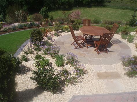 paving and gravel garden ideas stone circles yellow granite stone circles pink sandstone circles