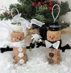 weihnachtsdekoration basteln weihnachtsdekoration aus korken zum selbermachen