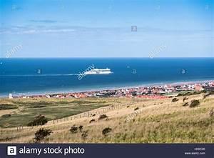 Traverser La Manche En Voiture : dover calais ferry photos dover calais ferry images alamy ~ Medecine-chirurgie-esthetiques.com Avis de Voitures