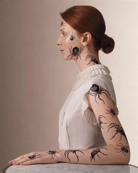 temporaere tattoos fuer ihr halloween kostuem