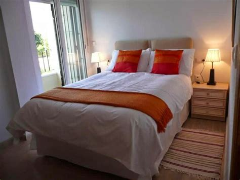 Simple Way To Arrange The Interior Small Bedroom Home